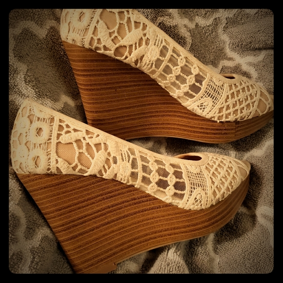 American Eagle Outfitters Shoes - cream colored American eagle wedges